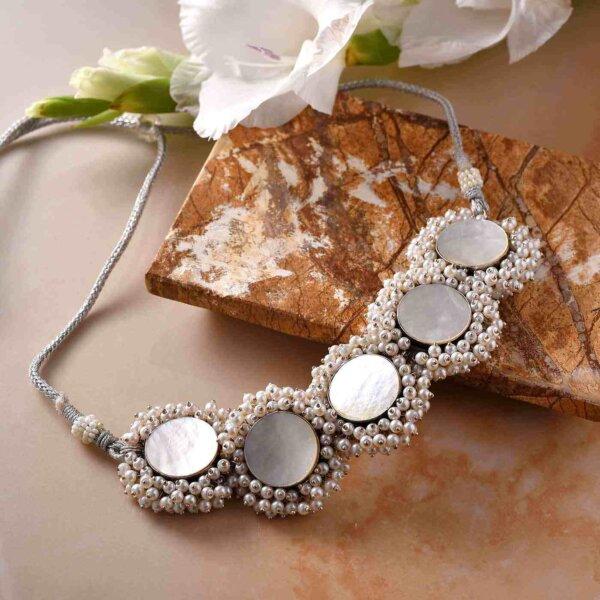 Ethnic Grace Set of Necklace, Earrings and Mangtika